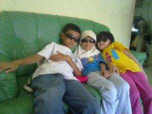 anak-anak sepupu saya sewaktu di rumah maksu