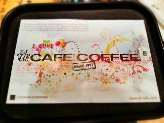 oh Malaysia dah overload dengan cafe.. dulu selalu tengok kat oz n korea je byk..
