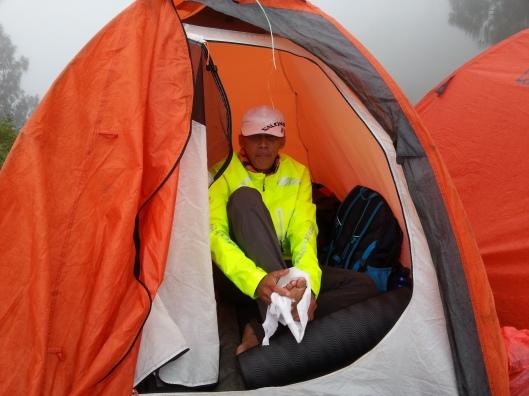 #37 -  Ni pun otai.. iskh.. panjat gunung main lompat-lompat je.. haih.. dia la yg buat bising kat khemah sebelah tu..