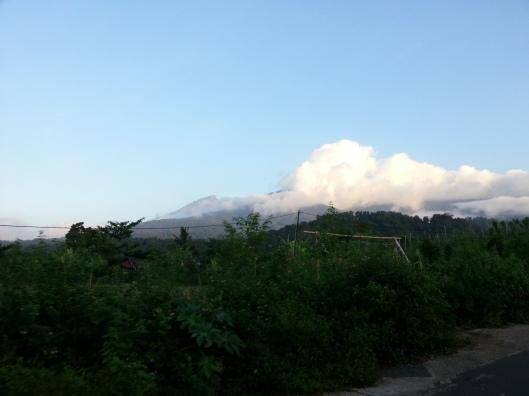 Gunung Rinjani dari jauh..
