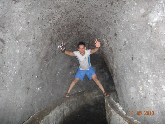 Dalam terowong tali air..