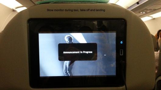 TV. Flight belum gerak pun dah sibuk cari movie. Maka dapatlah banyak gangguan..